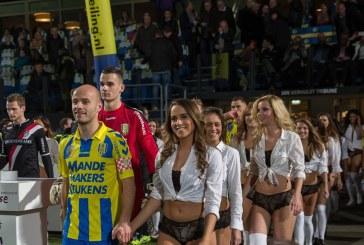 FOTO: Ovo se ne viđa često, fudbaleri pred meč na teren izveli manekenke