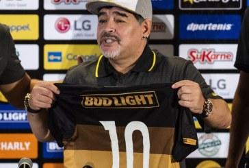SKANDAL: Maradona nasrnuo na novinara